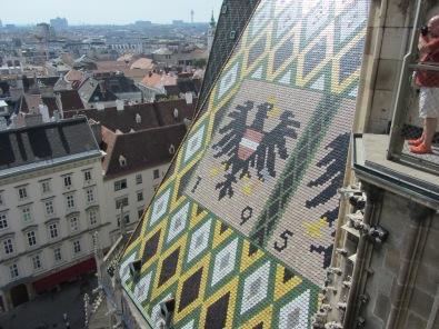 גג הקתדרלה מקושט בפסיפס צבעוני