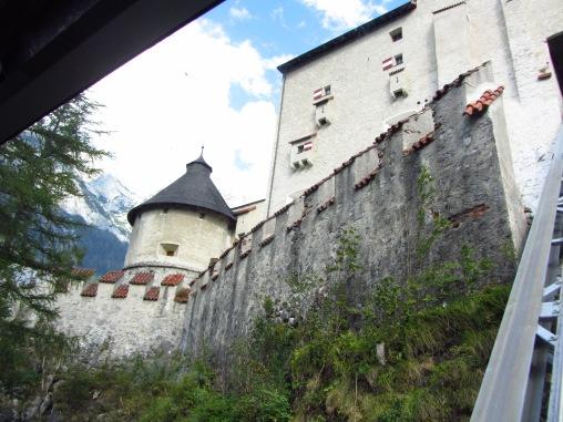 חומות מצודת הוהנוורפן