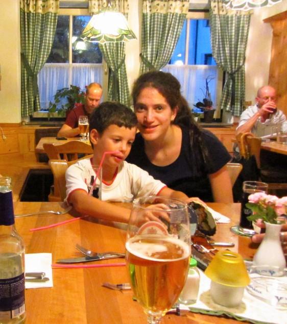 ארוחת ערב אוסטרית טעימה במסעדת המלון