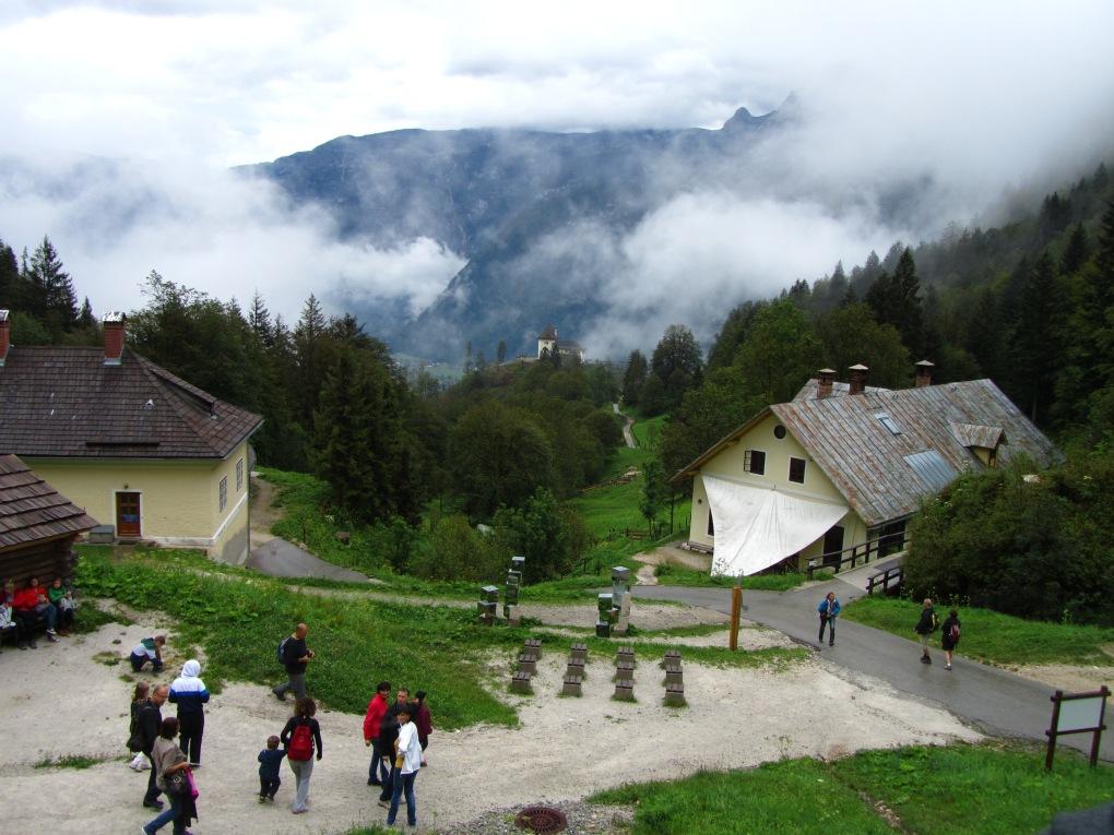 הרי דאכשטיין במעלה אל המכרה