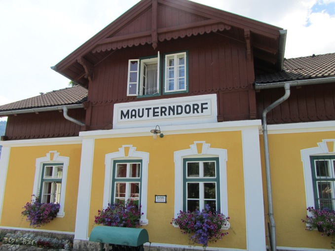 תחנת הרכבת במאוטרנדורף