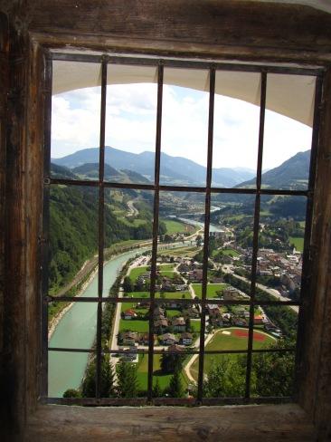 נוף נהר הזלצאך הנשקף מחלון המצודה