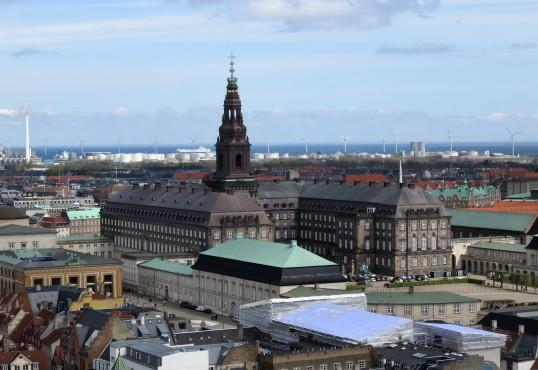 ארמון Christiansborg Palace ובראשו המגדל הגבוה ביותר