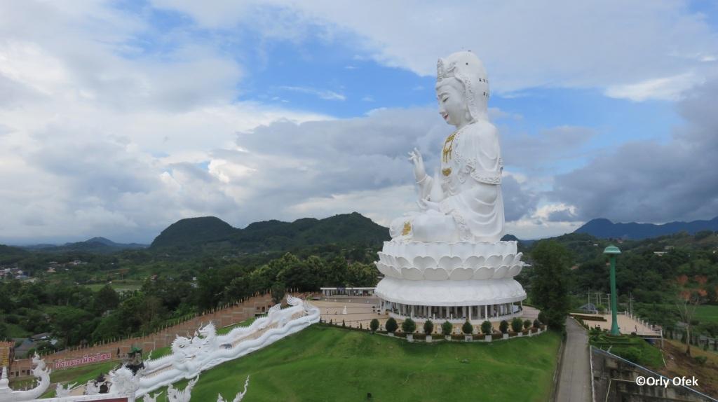 Wat Huay Pla Kung 01