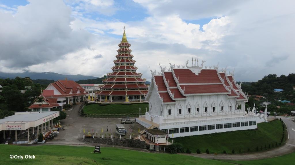 Wat Huay Pla Kung 02