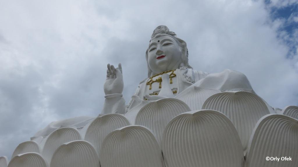 Wat Huay Pla Kung 04
