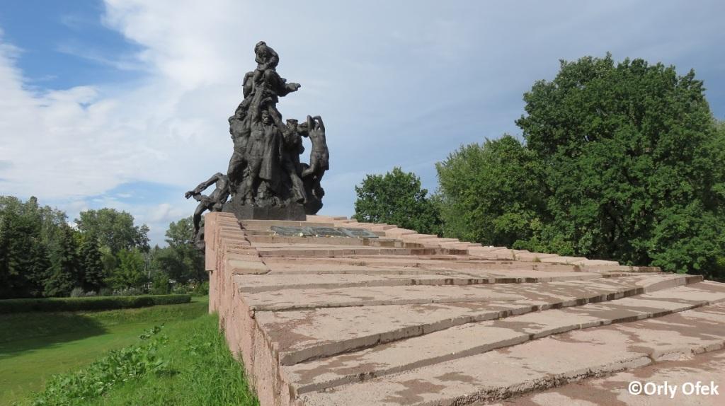 Orly-Ofek-Babi-Yar-Kiev-116