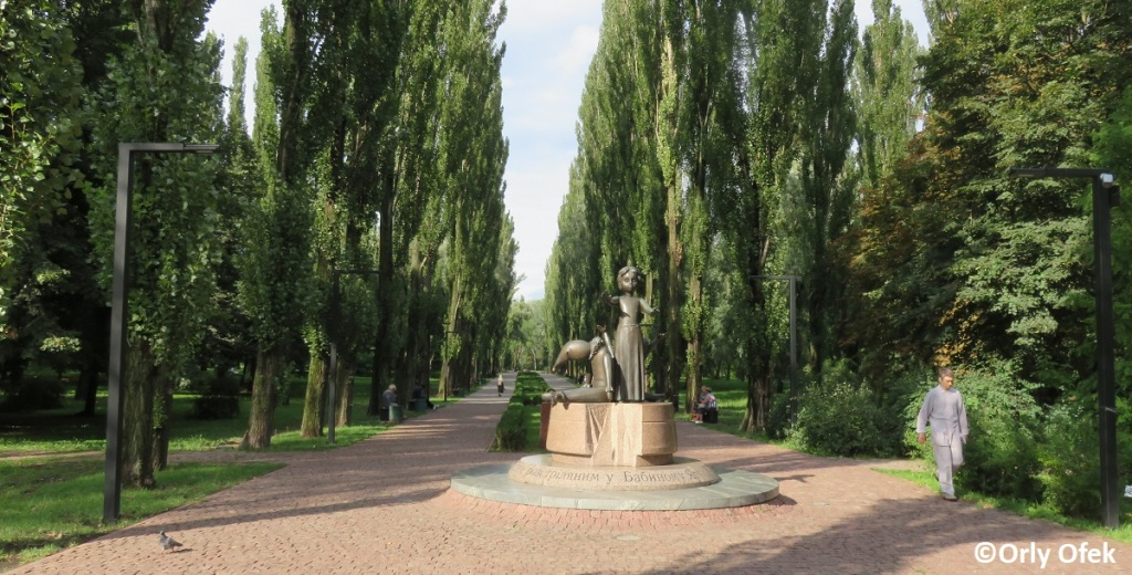 Orly-Ofek-Babi-Yar-Kiev-119