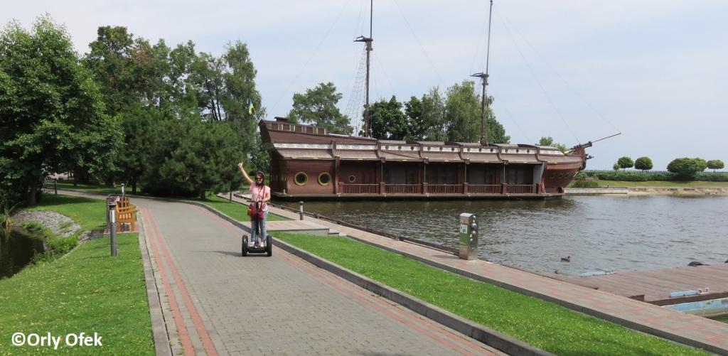 Orly-Ofek-Mezhygirya-Kiev-106