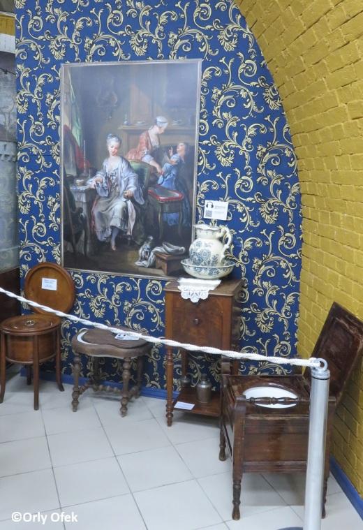 Orly-Ofek-Toilette-history-museum-Kiev-93