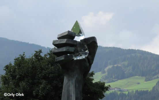 Orly-Ofek-Innsbruck-Swarovski-KristallWelten-60