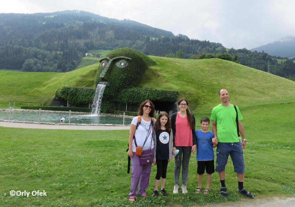 Orly-Ofek-Innsbruck-Swarovski-KristallWelten-61